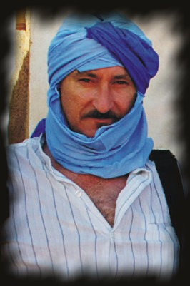 Retrato de Josean de Miguel con turbante azul